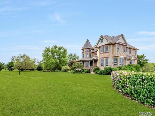 4635 Mill Ln, Mattituck, NY 11952 (MLS #3120342) :: Signature Premier Properties