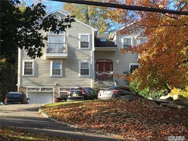 124 Southdown Rd, Huntington, NY 11743 (MLS #3120837) :: Signature Premier Properties