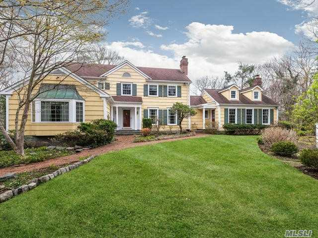 204 Sunset Rd, Oyster Bay Cove, NY 11771 (MLS #3121255) :: Signature Premier Properties