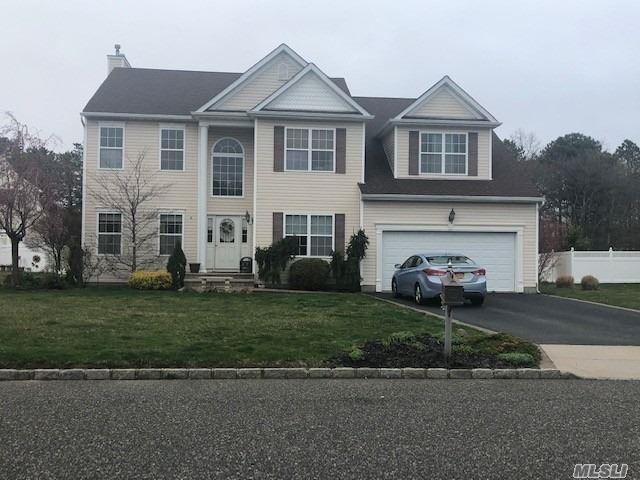 5 Atwood St, Medford, NY 11763 (MLS #3121257) :: Signature Premier Properties