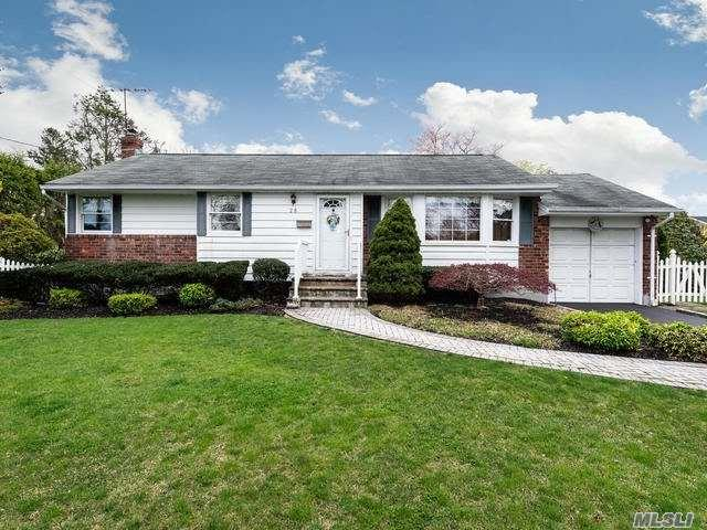 28 Clay Pitts Rd, Greenlawn, NY 11740 (MLS #3121443) :: Signature Premier Properties