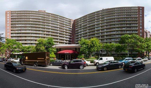61-25 97th St #8, Rego Park, NY 11374 (MLS #3123431) :: Shares of New York