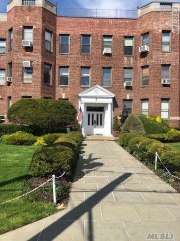 2 Herrick Dr 3-L, Lawrence, NY 11559 (MLS #3125904) :: Shares of New York
