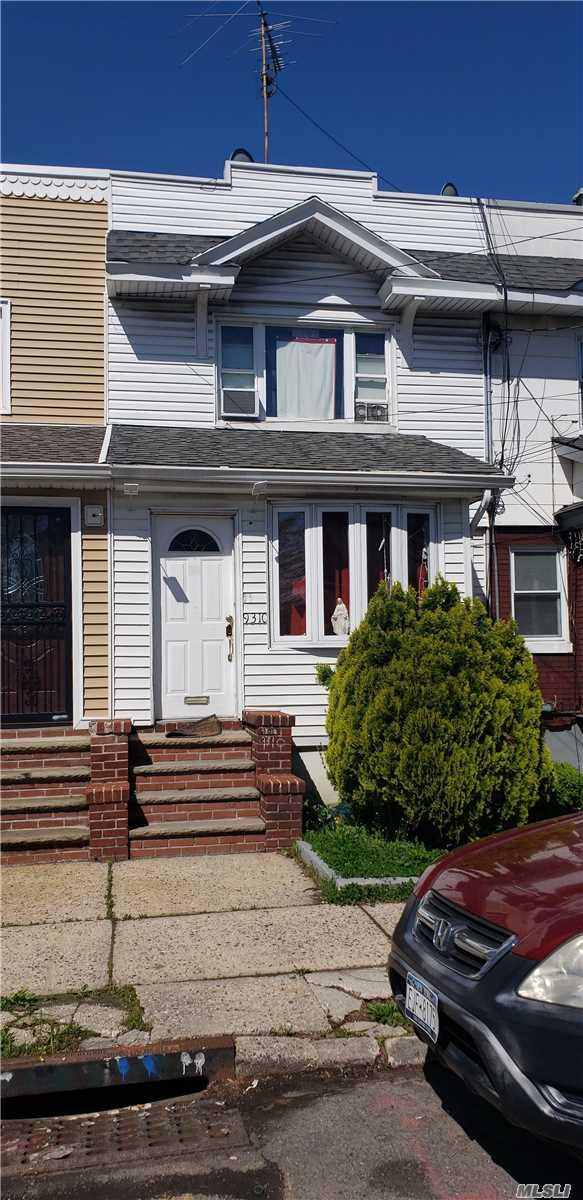 9310 76th St, Woodhaven, NY 11421 (MLS #3126231) :: Shares of New York