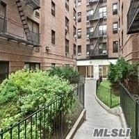 132-35 Sanford Ave Ld, Flushing, NY 11355 (MLS #3127271) :: Keller Williams Points North