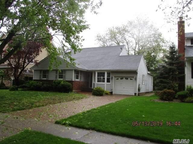 195 Kildare Rd, Garden City, NY 11530 (MLS #3128760) :: Signature Premier Properties