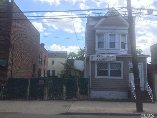 9614 32nd Ave, E. Elmhurst, NY 11369 (MLS #3129950) :: HergGroup New York