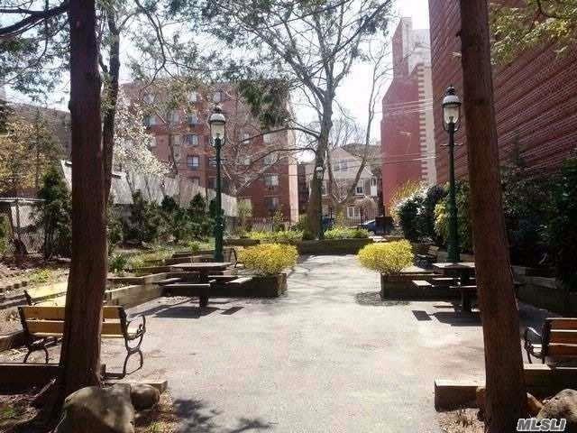 140-50 SW Burden Crescent 5K, Briarwood, NY 11435 (MLS #3130222) :: Netter Real Estate