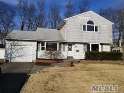 263 Curtin Ave, West Islip, NY 11795 (MLS #3130468) :: Shares of New York
