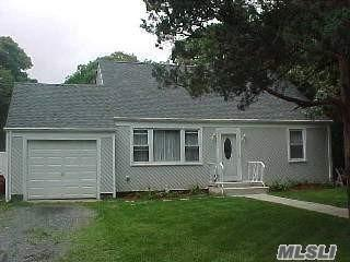 9 Dourland Rd, Medford, NY 11763 (MLS #3131507) :: Signature Premier Properties