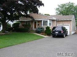 180 Irish Ln, Islip Terrace, NY 11752 (MLS #3131522) :: Netter Real Estate