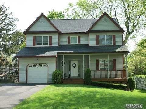 28 Carley Ave, Huntington, NY 11743 (MLS #3131534) :: Keller Williams Points North