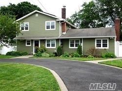 148 E Madison St, East Islip, NY 11730 (MLS #3131693) :: Netter Real Estate