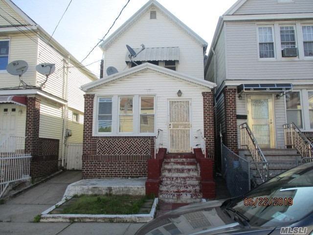 103-03 126th St, Richmond Hill, NY 11419 (MLS #3131934) :: Signature Premier Properties
