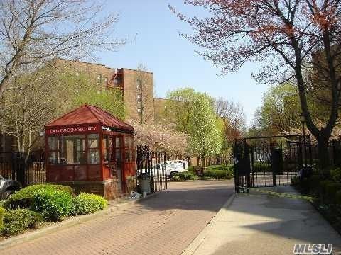 150-15 72 Rd 3A, Kew Garden Hills, NY 11367 (MLS #3132732) :: Shares of New York