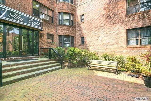 58 Grace Ave 3F, Great Neck, NY 11021 (MLS #3135966) :: Shares of New York