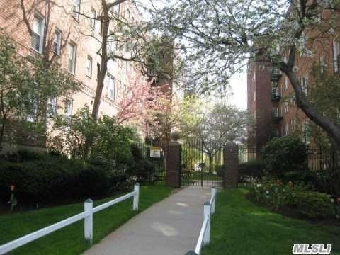22 Mulford Pl 4B, Hempstead, NY 11550 (MLS #3137136) :: Shares of New York