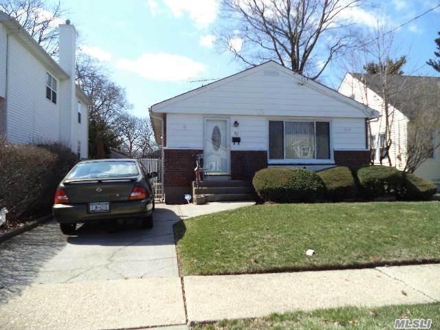 70 E Marshall St, Hempstead, NY 11550 (MLS #3137237) :: Shares of New York