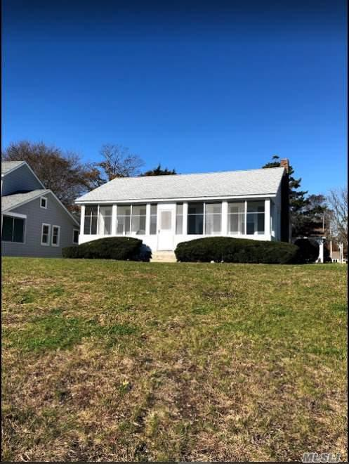 1396 Peconic Bay Blvd, Jamesport, NY 11947 (MLS #3138822) :: Signature Premier Properties