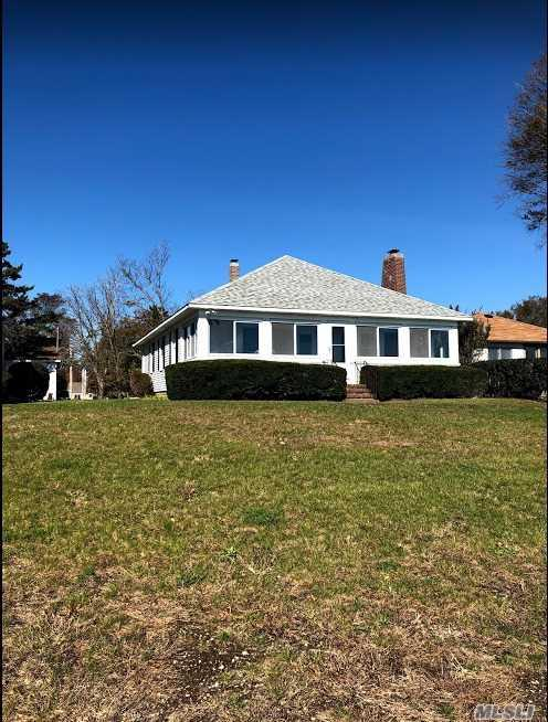 1400 Peconic Bay Blvd, Jamesport, NY 11947 (MLS #3138824) :: Signature Premier Properties