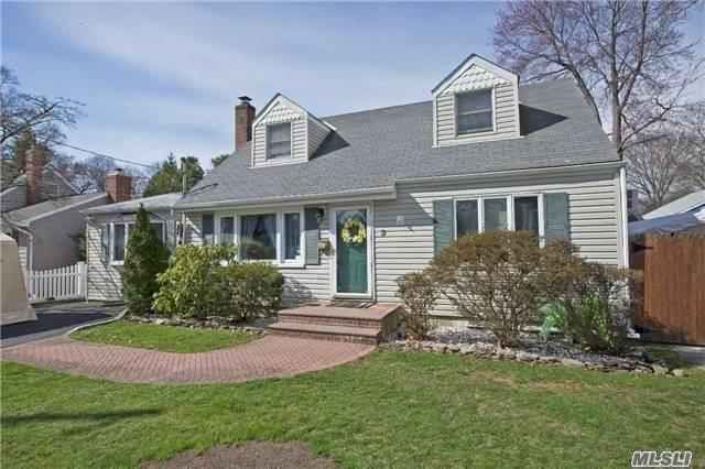 3 Richwood Pl, Huntington Sta, NY 11746 (MLS #3138871) :: Signature Premier Properties