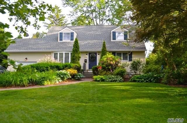 210 Cedrus Ave, E. Northport, NY 11731 (MLS #3138883) :: Signature Premier Properties