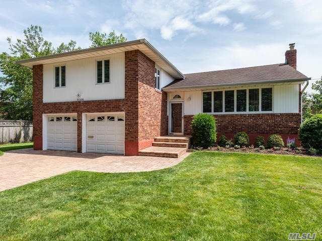 1166 Howard Dr, Westbury, NY 11590 (MLS #3138905) :: Signature Premier Properties