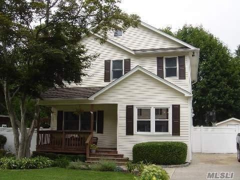 75 Rutgers Ln, Huntington, NY 11743 (MLS #3139807) :: Signature Premier Properties