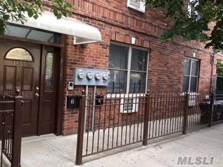 1833 Palmetto St, Ridgewood, NY 11385 (MLS #3139817) :: The Lenard Team