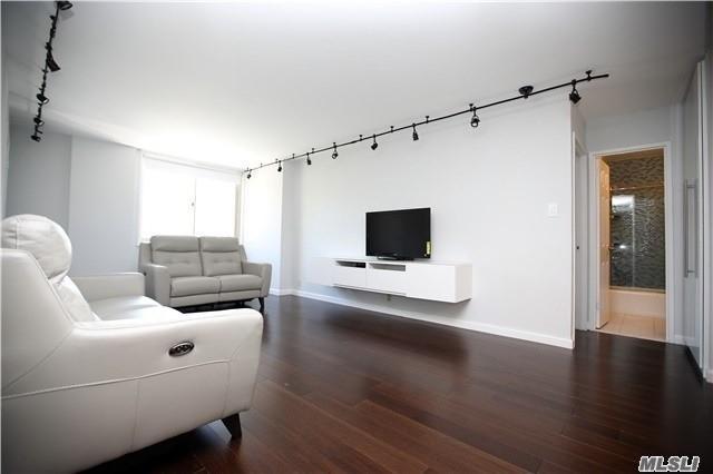 118-18 Union Tpke 2B, Kew Gardens, NY 11415 (MLS #3140874) :: Netter Real Estate