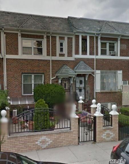 24-37 84th St, E. Elmhurst, NY 11370 (MLS #3140899) :: Netter Real Estate