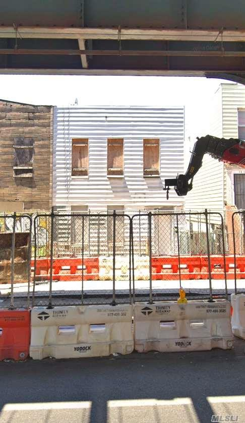 38-18 31st Street, Long Island City, NY 11101 (MLS #3141003) :: Netter Real Estate