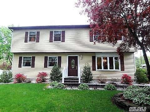 426 Lucerne Ave, Shirley, NY 11967 (MLS #3141151) :: Netter Real Estate