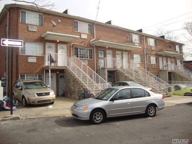 282 Watjean Ct, Far Rockaway, NY 11691 (MLS #3141795) :: HergGroup New York