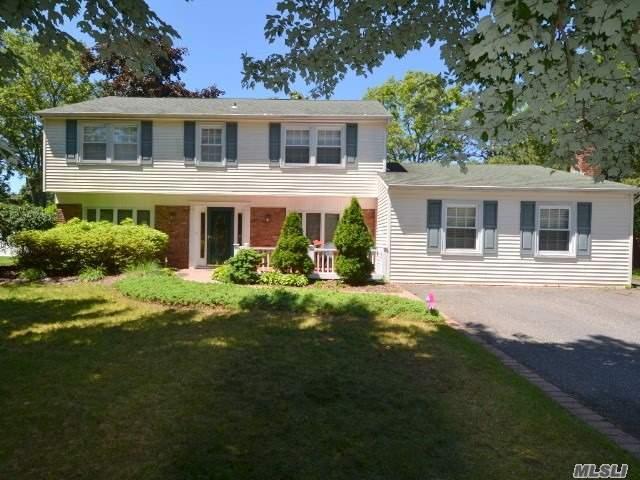 6 Stockton Ln, Stony Brook, NY 11790 (MLS #3145095) :: Signature Premier Properties