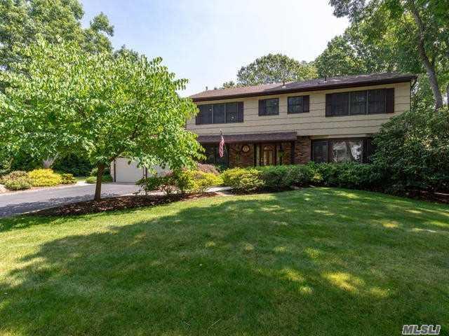 1 Veronica Ct, Smithtown, NY 11787 (MLS #3145936) :: Signature Premier Properties