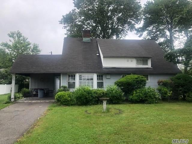 24 Rover Ln, Hicksville, NY 11801 (MLS #3146641) :: Signature Premier Properties