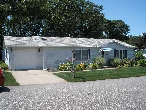 1407-41 Middle Road, Calverton, NY 11933 (MLS #3146677) :: Signature Premier Properties