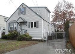 220 William St, W. Hempstead, NY 11552 (MLS #3147809) :: Netter Real Estate