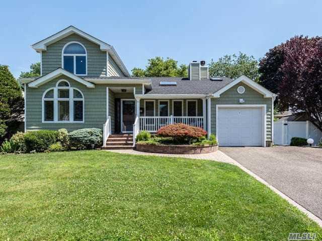 37 Elderberry Rd, Syosset, NY 11791 (MLS #3147950) :: Signature Premier Properties