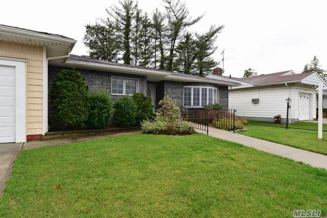 219-70 Stewart Rd, Hollis Hills, NY 11427 (MLS #3148111) :: Signature Premier Properties