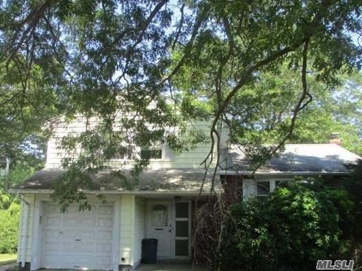 21 Alexander Dr, East Islip, NY 11730 (MLS #3148153) :: Netter Real Estate