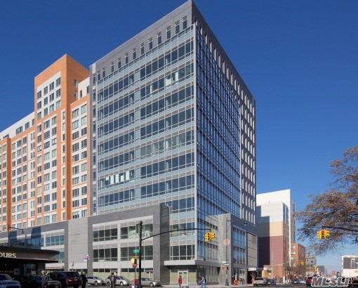 138-35 39 Ave 9 B, Flushing, NY 11354 (MLS #3148282) :: Netter Real Estate