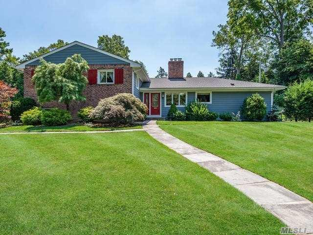 22 Westgate Blvd, Manhasset, NY 11030 (MLS #3148309) :: Signature Premier Properties