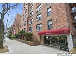 90-11 35 Th Ave 4I, Jackson Heights, NY 11372 (MLS #3148335) :: Keller Williams Points North