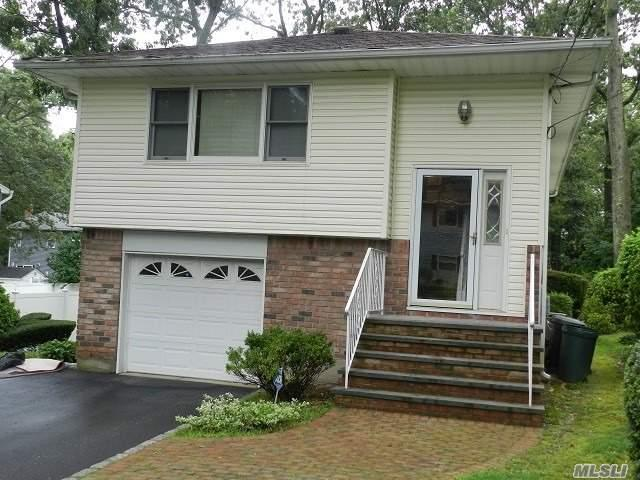 231 Deer Rd, Ronkonkoma, NY 11779 (MLS #3148505) :: Keller Williams Points North