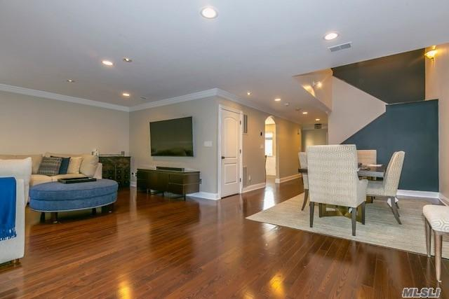 106 Chestnut Ln, Woodbury, NY 11797 (MLS #3148688) :: Signature Premier Properties