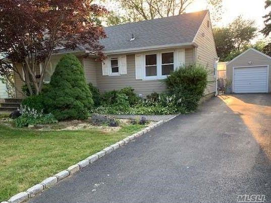 20 High St, Syosset, NY 11791 (MLS #3148908) :: Keller Williams Points North