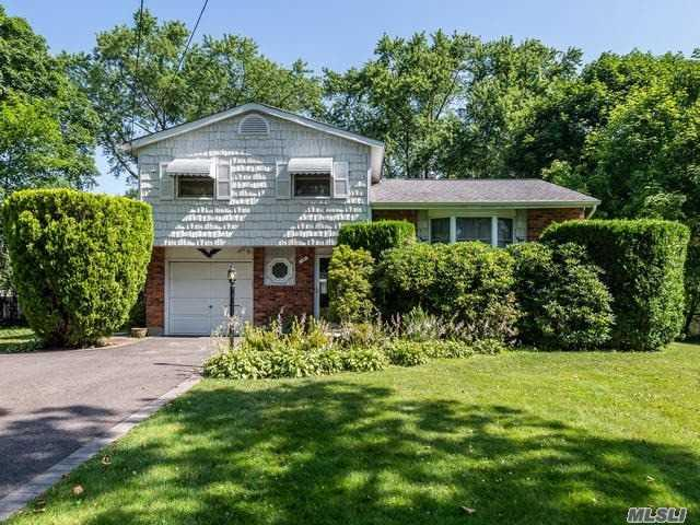 19 Findley Dr, E. Northport, NY 11731 (MLS #3149144) :: Shares of New York