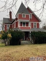 137 Cedar Ave, Islip, NY 11751 (MLS #3149201) :: Netter Real Estate